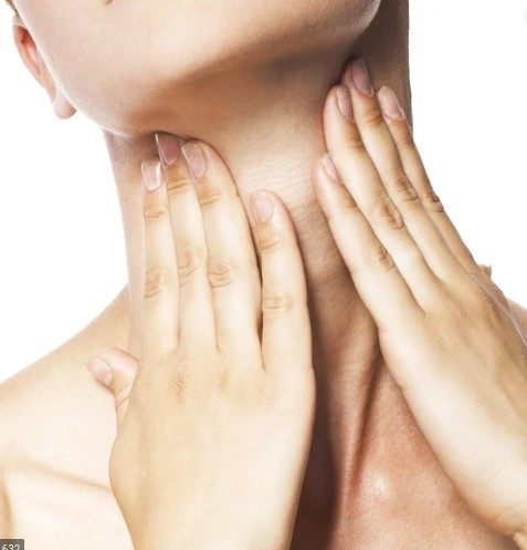 8 simple ways to a younger looking neck