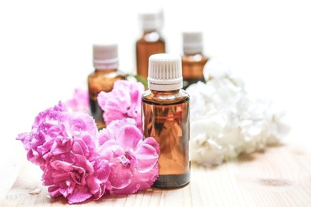 10 best essential oils for anti aging