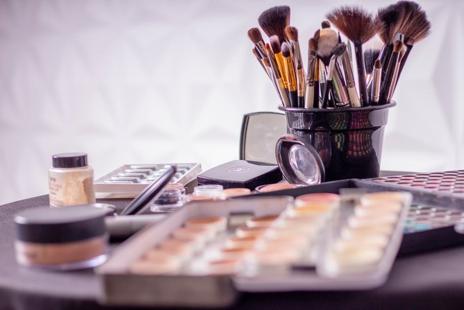 7 tips on how to apply makeup to look younger easy