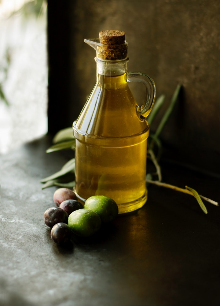 the many benefits of olive oil for anti aging
